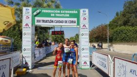 Vencedores Triatlon de Coria 2017.Femanina