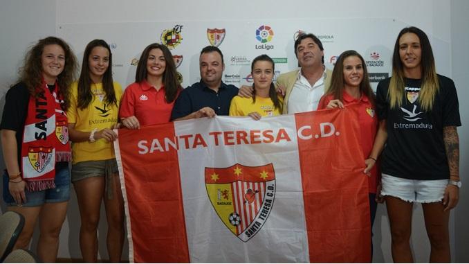 El Santa Teresa Badajoz inicia los entrenamientos y presenta a los fichajes