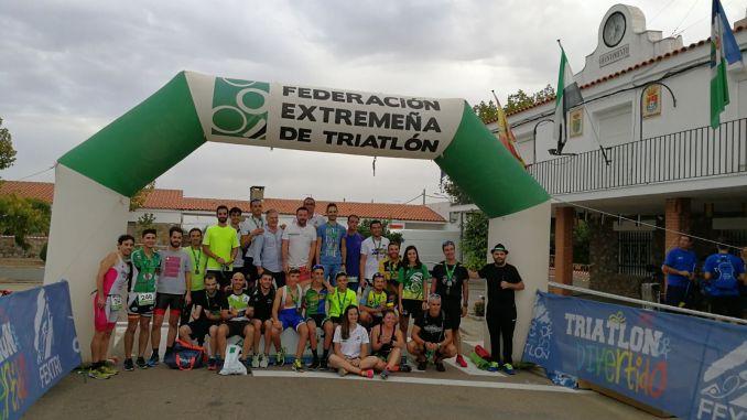 Antonio Cerezo e Irene Cascajosa se llevan el triunfo en el I Duatlón Cros de Torrefresneda