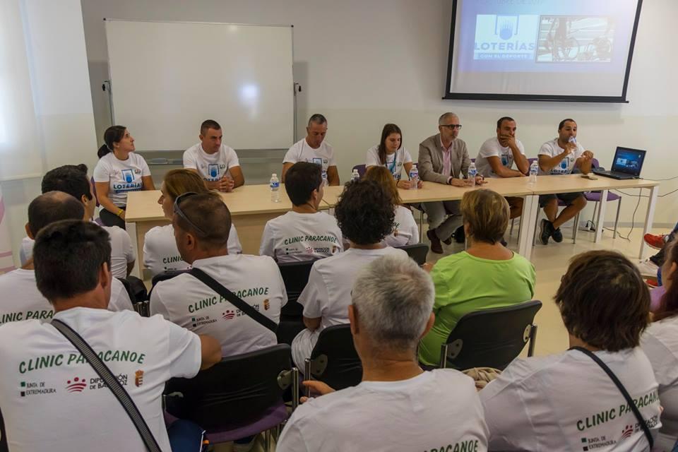Elena Ayuso Clinic Herrera del Duque y programa Escúchame