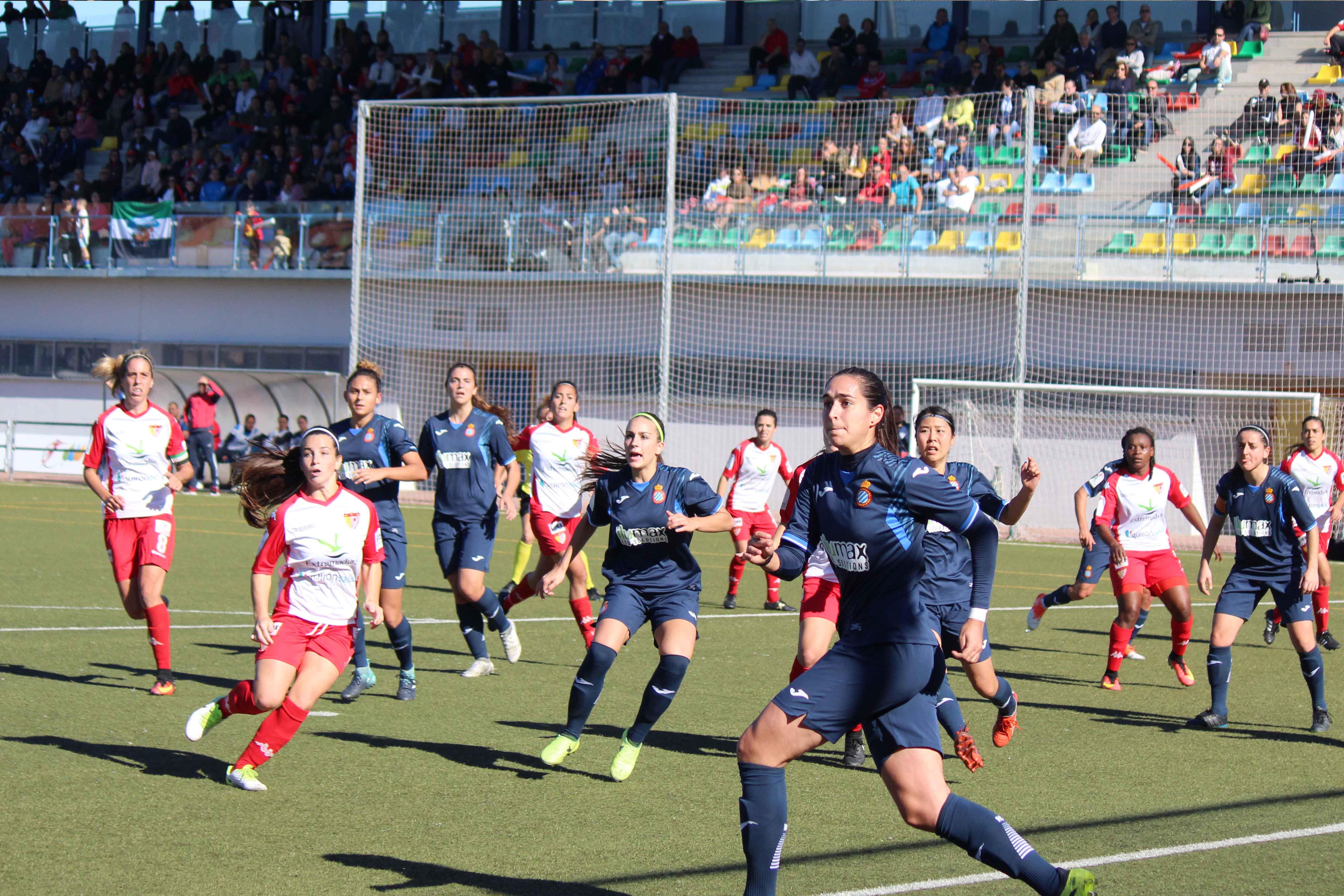 Un gran Santa Teresa Badajoz suma un valioso punto aunque merece mucho más ante RCD Espanyol (4)