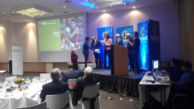 Gala anual de la FEDME. Premio de Reconocimiento a Alberto Ginés Lopez