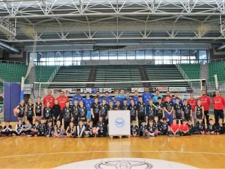 Jornada solidaria de Voleibol el pasado sábado a favor del Banco de Alimentos de Cáceres