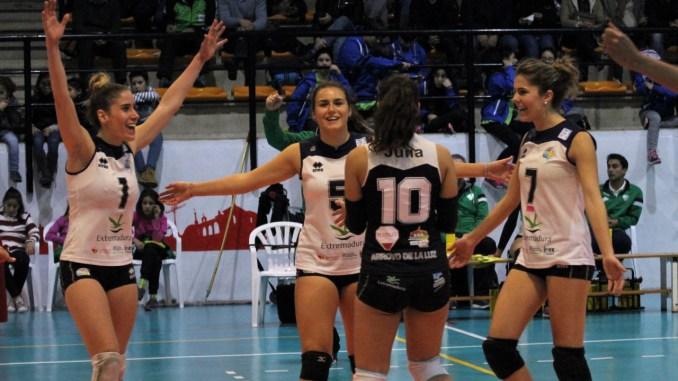 Quiuqui y Rodríguez lideran la victoria del Extremadura Arroyo (3-1) sobre Alcobendas