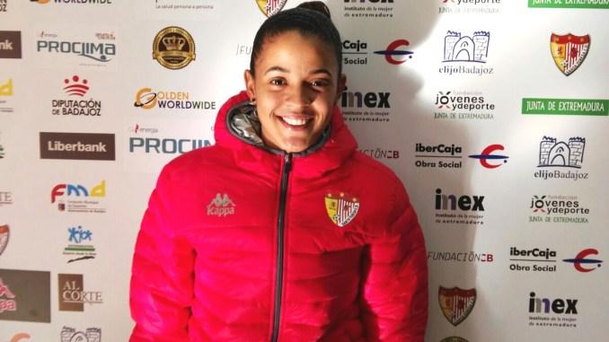 La internacional venezolana Alexyar Cañas firma por el Santa Teresa Badajoz