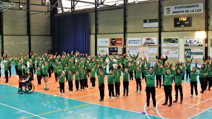 El Extremadura Arroyo presenta a sus equipos de cantera con 16 caras nuevas