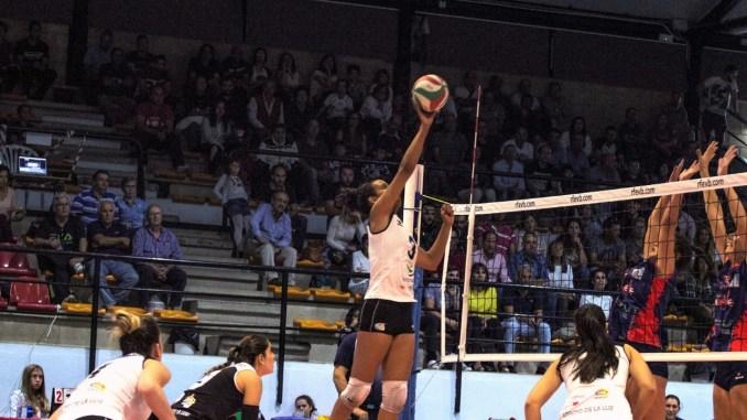 El Extremadura Arroyo, liderado por Gabi Silva, vence también en Vigo 2-3