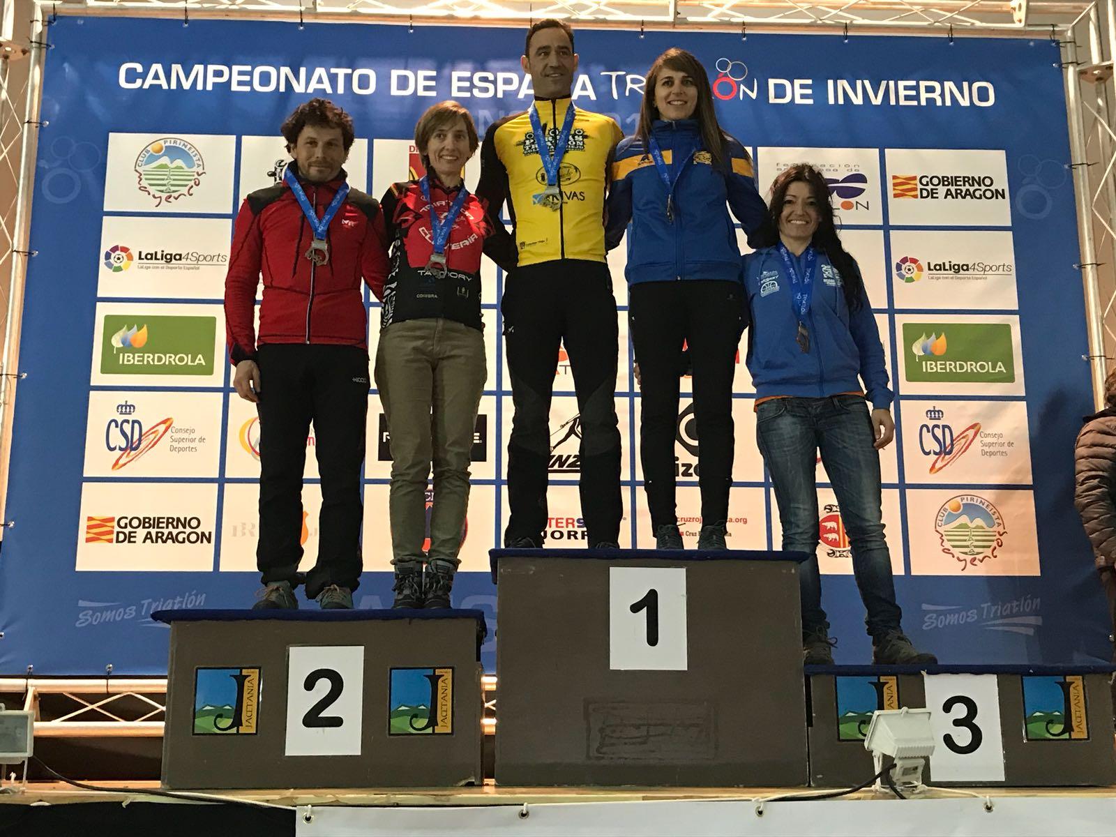 Podium Soraya García se proclama campeona de España de Triatlón de Invierno