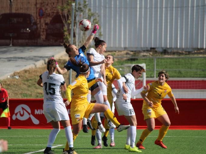 Un Santa Teresa Badajoz de más a menos cae ante Madrid CFF