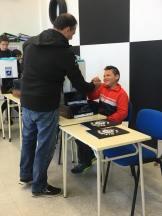 Adrian Fariña recibiendo su equipación de Oliveira Cup