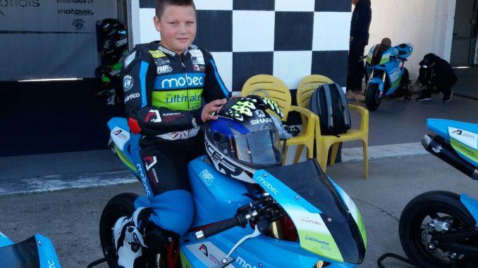 El extremeño Adrián Fariña, el más joven de la Oliveira Cup, la escuela de pilotos de Miguel Oliveira