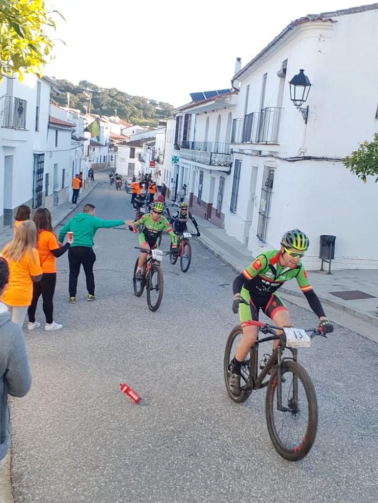 Susana Alonso y Manu Cordero Campeones de España de Ultramaratón