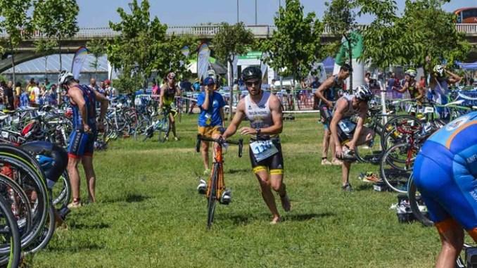 Triatlon Puerta de Palmas de Badajoz 2016 - El único triatlón por relevos de Extremadura se celebra en Badajoz