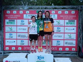 Diego Paredes e Irene Cascajosa se proclaman campeones de Extremadura de Triatlón Cros
