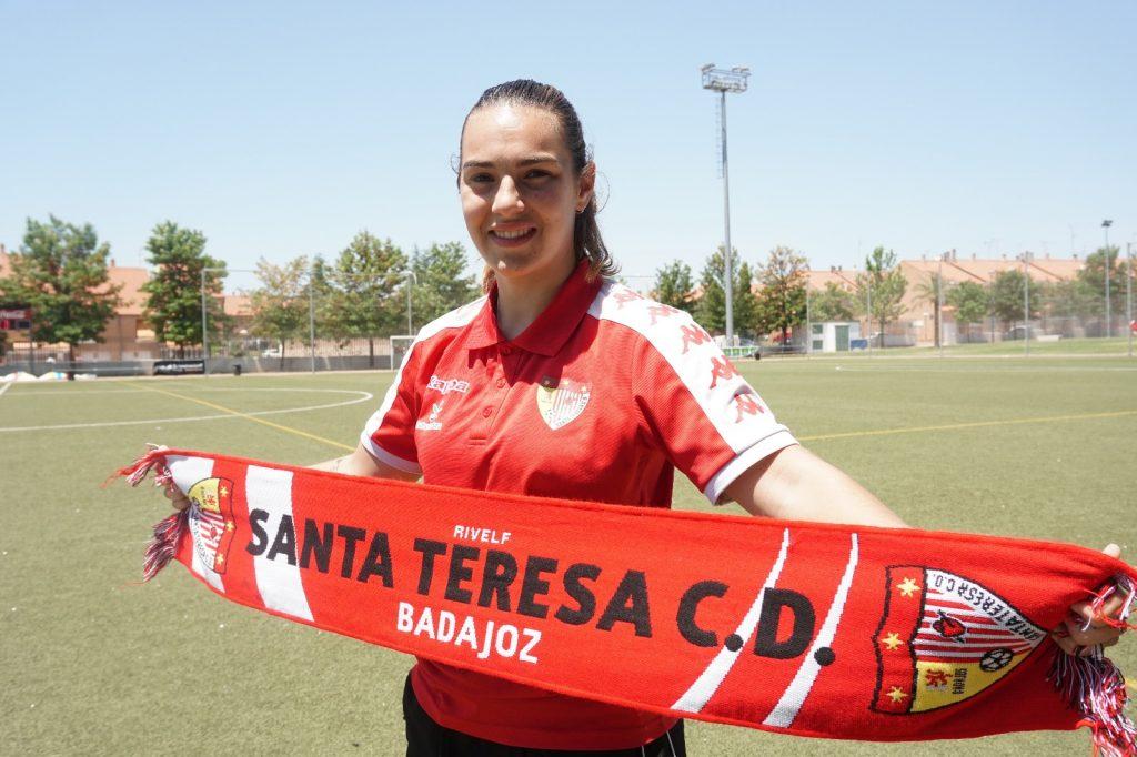 Yolanda Aguirre, renovación en la portería del Santa Teresa Badajoz