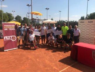 """El Club de Tenis Cabezarrubia de Cáceres ha acogido las finales del Campeonato de Extremadura Absoluto de Tenis """"Trofeo Liberbank"""""""