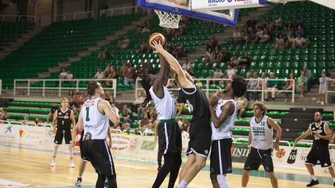 El Real Betis Energía Plus se lleva el XXV Trofeo Baloncesto Cáceres Patrimonio