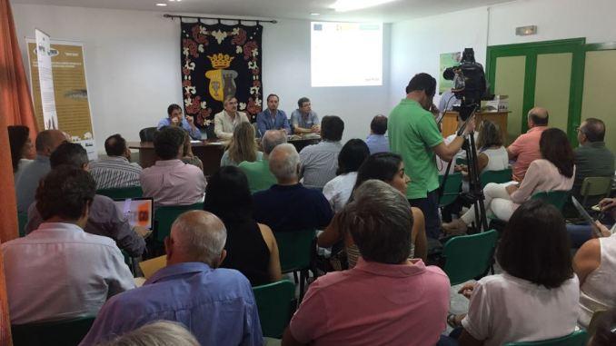 Ganaderos, científicos y cazadores crean una alianza estratégica para luchar contra la tuberculosis en Extremadura