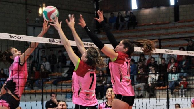 El Extremadura Arroyo noquea por la vía rápida al líder Torrejón (3-0)