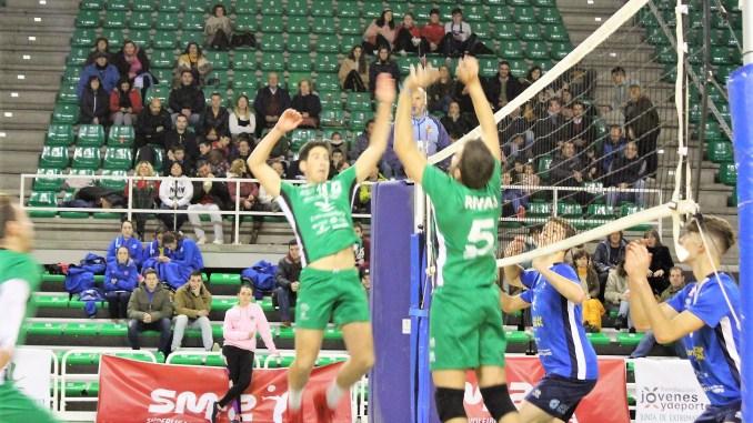 Clara victoria del Extremadura CCPH por 3-0 ante el Cisneros Alter