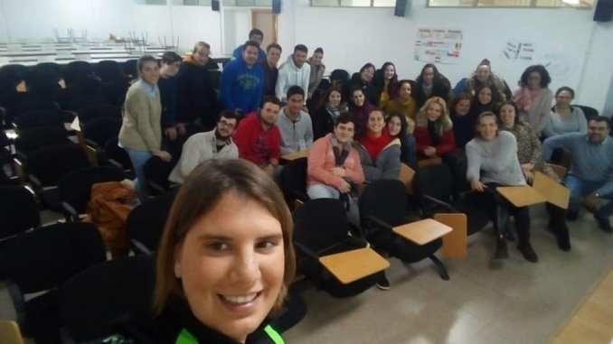 Elena Ayuso participa en la III Semana de la Discapacidad del IES Benazaire