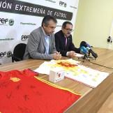 La Federación Extremeña de Fútbol y la Fundación Ícaro dan un nuevo impulso a su proyecto solidario de ayuda a la oncología infantil (2)