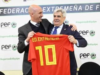Luis Rubiales inaugura la sede de la Federación Extremeña de Fútbol