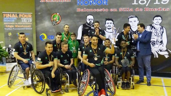 El Mideba recibe el título de tercer clasificado de la liga, la cual tiene como nuevo campeón a Ilunion