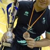El Mideba recibe el título de tercer clasificado de la liga, la cual tiene como nuevo campeón a Ilunion (6)
