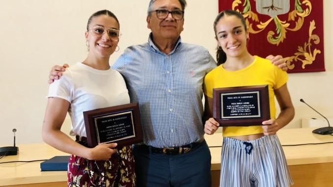 Homenaje de Almendralejo a Marta García y Paola García