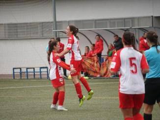 El Santa Teresa responde al mal tiempo con victoria y goles ante el Collerense