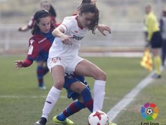 La centrocampista Blanca Moreno llega al Liberbank Santa Teresa Badajoz procedente del Sevilla FC