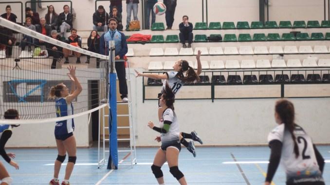 El Extremadura Club Pacense Voleibol cae tras empezar ganando (1-3)