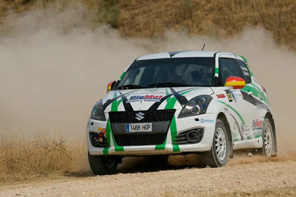 Dos vehículos del ERT en el Rally Terra Da Auga