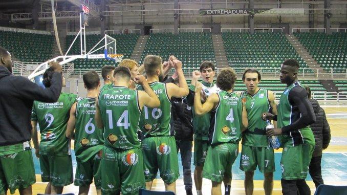 Los jugadores del Torta del Casar Extremadura al término del encuentro