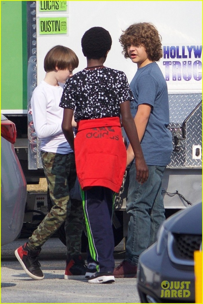Confira fotos do set da segunda temporada de Stranger Things!