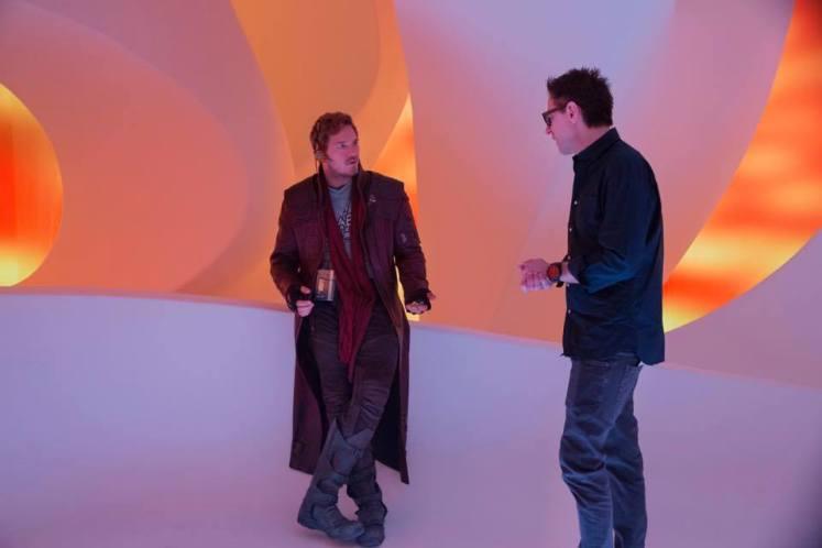 James Gunn divulga novas imagens dos bastidores de Guardiões da Galáxia Vol. 2