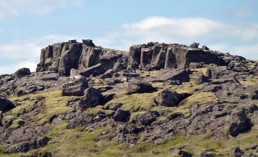 11-low-basalt-cliff