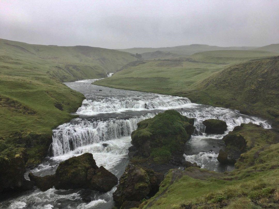 El río Skógá, más allá de Skógafoss