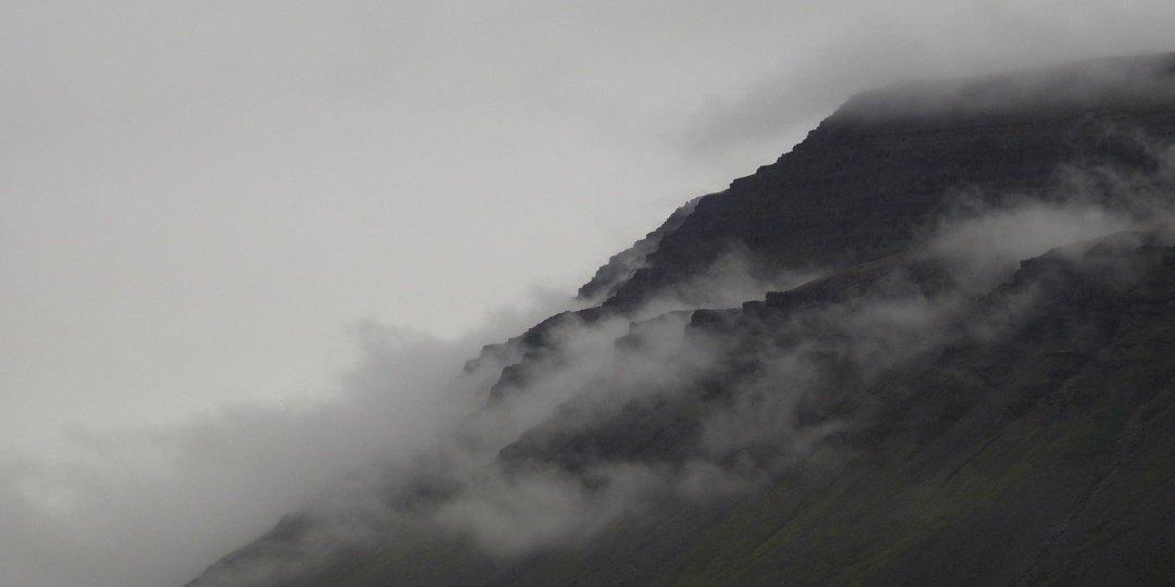 Niebla en los Fiordos del Oeste