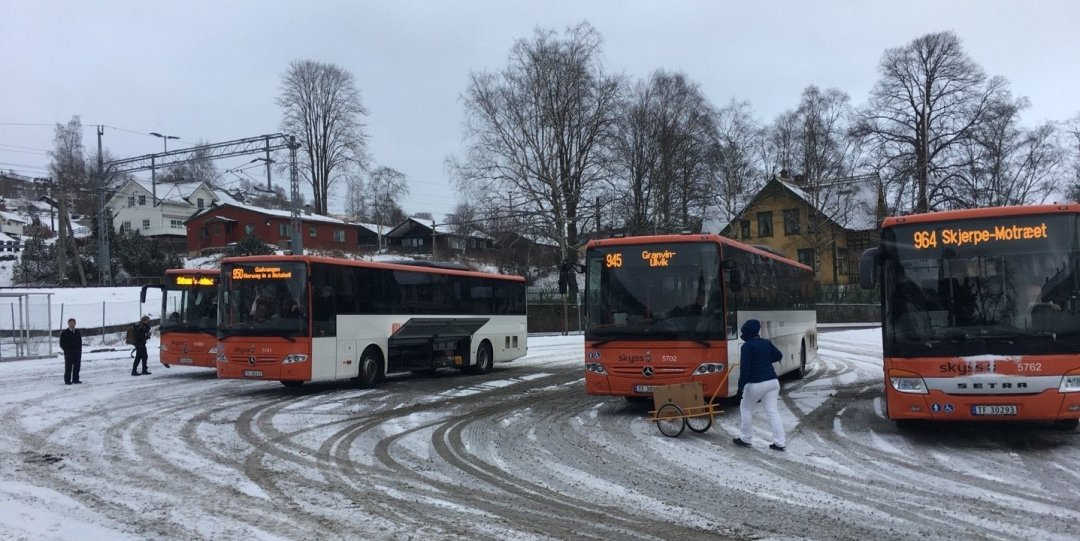 Cogiendo el autobús en Voss