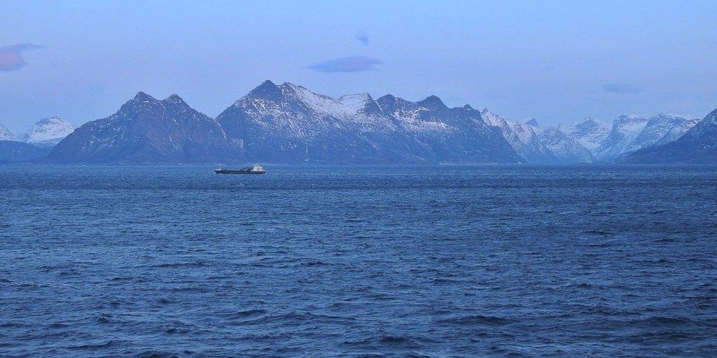 Crepúsculo en elVestfjorden
