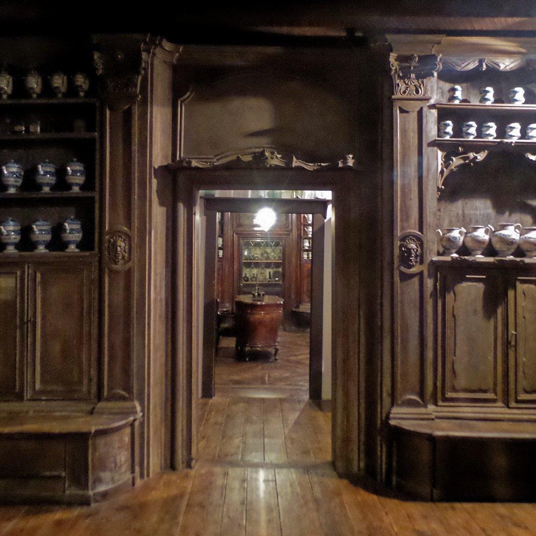 Antigua farmacia de Campo San Stin