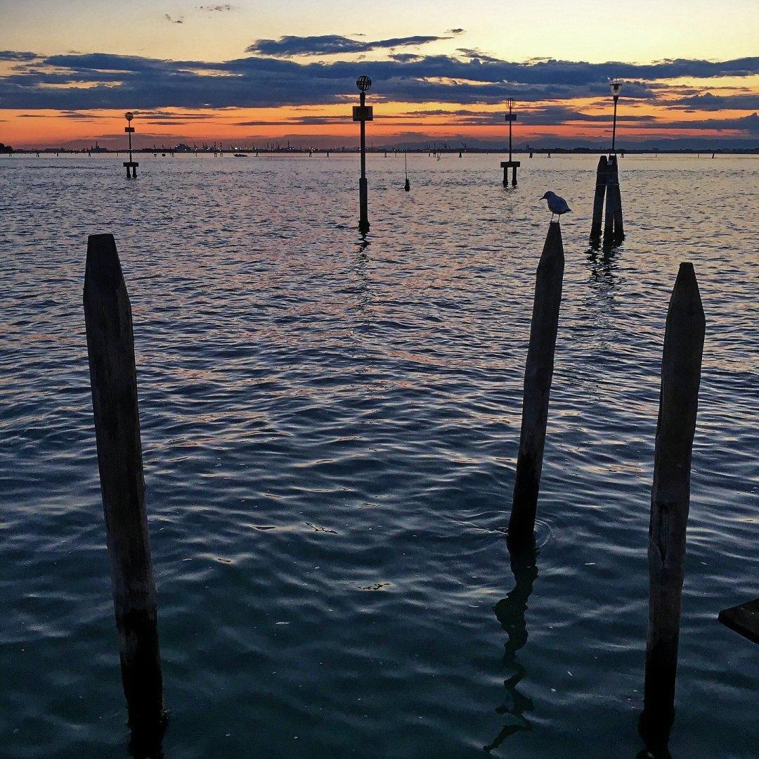 Atardecer en la laguna veneciana