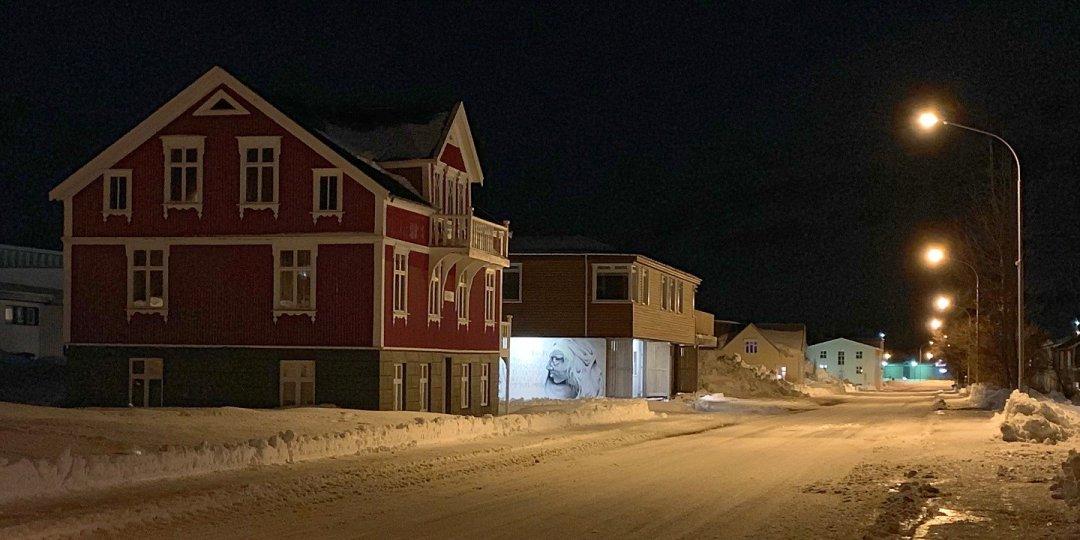 Paseo nocturno en Seyðisfjörður
