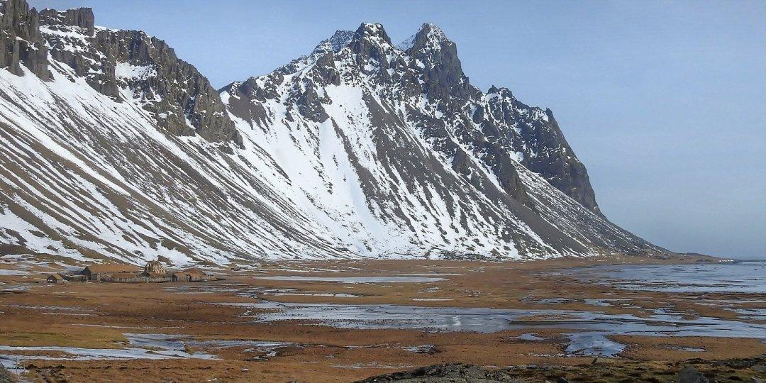 Poblado vikingo junto a Vestrahorn