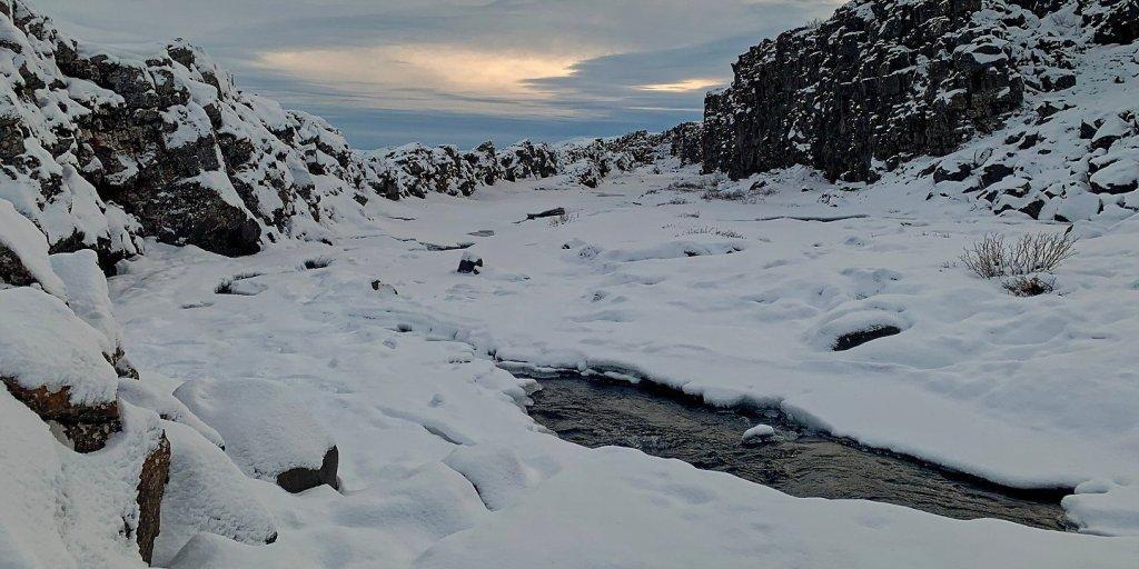 Cauce helado del río Öxará