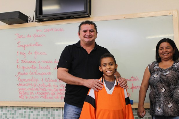 Veras e Daniel, aluno da EC Córrego Barreiro