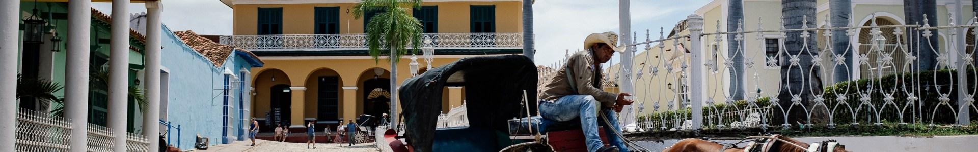 19 Fotos Trinidad – Domino mit alten Damen