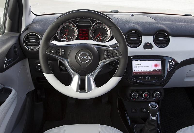 Opel Adam 8
